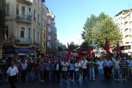 YSK'ya Diyarbakır ve Taksim'de protesto galerisi resim 6