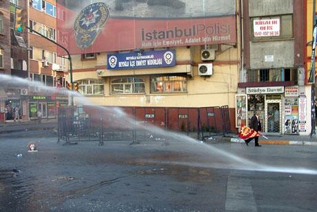 YSK'ya Diyarbakır ve Taksim'de protesto galerisi resim 8