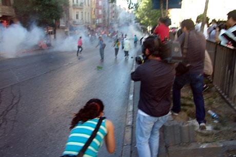 YSK'ya Diyarbakır ve Taksim'de protesto galerisi resim 9