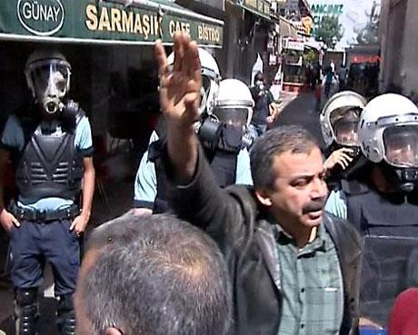 Şişli karıştı, Polisten vekillere biber gazı! galerisi resim 14
