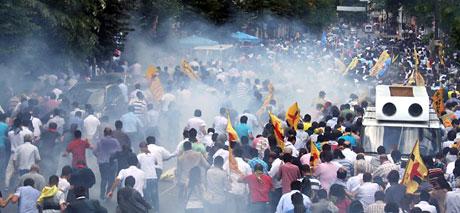 Şişli karıştı, Polisten vekillere biber gazı! galerisi resim 33