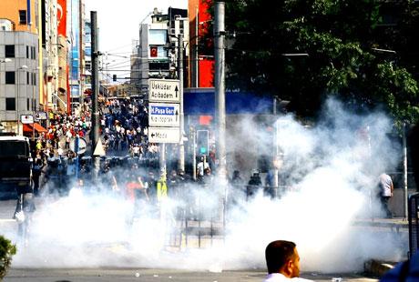 Barış gününe Polisten gazlı müdahale! galerisi resim 17