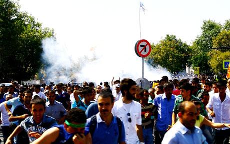 Barış gününe Polisten gazlı müdahale! galerisi resim 4