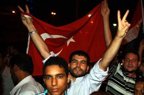 Erdoğan'ı binlerce kişi karşıladı galerisi resim 8