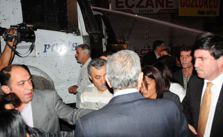 BDP'li vekillere tazyikli su! galerisi resim 10