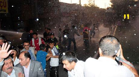 BDP'li vekillere tazyikli su! galerisi resim 6