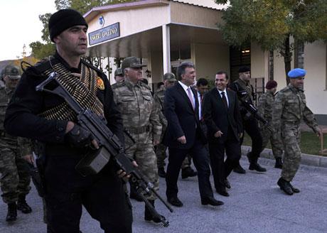 Cumhurbaşkanı Gül kamuflaj giydi galerisi resim 7