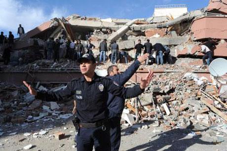 Van'da şiddetli deprem galerisi resim 10