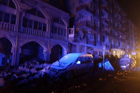 Van'da şiddetli deprem galerisi resim 100