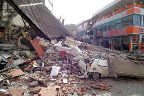 Van'da şiddetli deprem galerisi resim 2