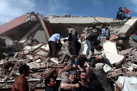 Van'da şiddetli deprem galerisi resim 22