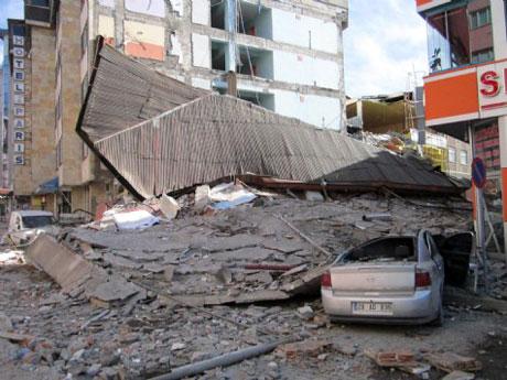 Van'da şiddetli deprem galerisi resim 24