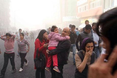 Van'da şiddetli deprem galerisi resim 26