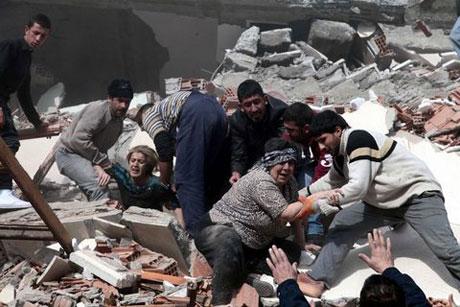 Van'da şiddetli deprem galerisi resim 35