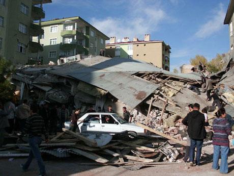Van'da şiddetli deprem galerisi resim 40