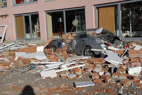 Van'da şiddetli deprem galerisi resim 41