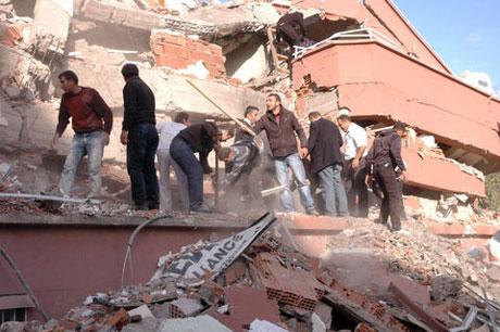 Van'da şiddetli deprem galerisi resim 43