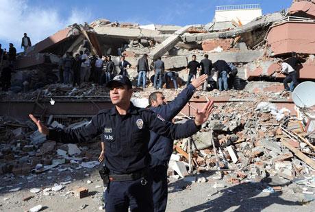 Van'da şiddetli deprem galerisi resim 55