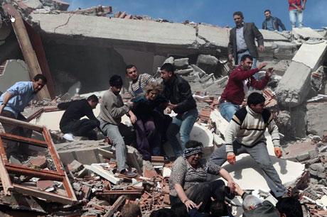 Van'da şiddetli deprem galerisi resim 66