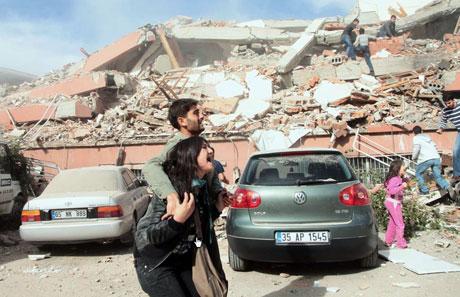 Van'da şiddetli deprem galerisi resim 72