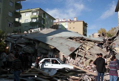 Van'da şiddetli deprem galerisi resim 74
