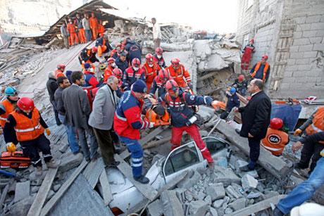 Van'da şiddetli deprem galerisi resim 76