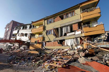 Van'da şiddetli deprem galerisi resim 77