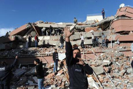 Van'da şiddetli deprem galerisi resim 8