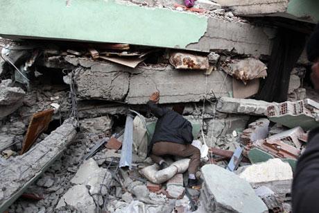 Van'da şiddetli deprem galerisi resim 90