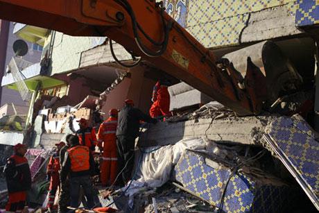 Van'da şiddetli deprem galerisi resim 92