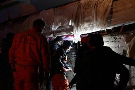 Van'da şiddetli deprem galerisi resim 93