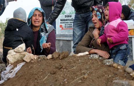 Erciş Mezarlığı'nda bayram! galerisi resim 8