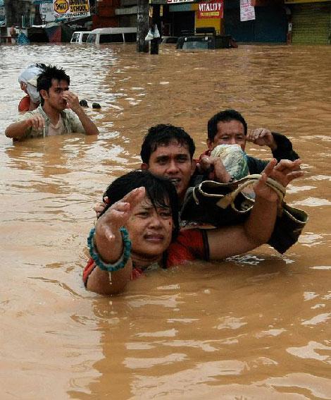 Filipinlerdeki Sel Felaketi galerisi resim 8