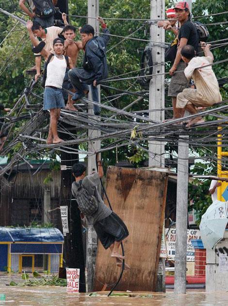 Filipinlerdeki Sel Felaketi galerisi resim 9