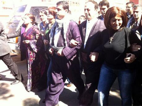 Newroz coşkusu yasak dinlemedi! galerisi resim 23