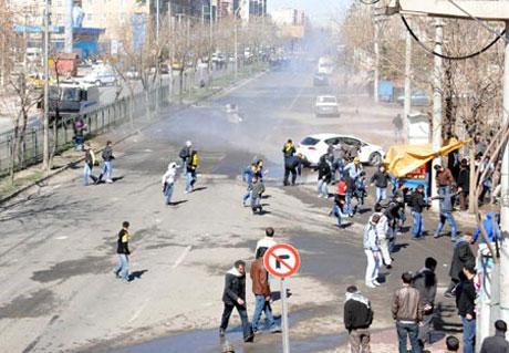 Newroz coşkusu yasak dinlemedi! galerisi resim 37