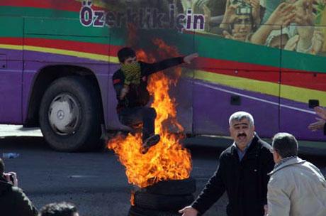 Newroz coşkusu yasak dinlemedi! galerisi resim 39