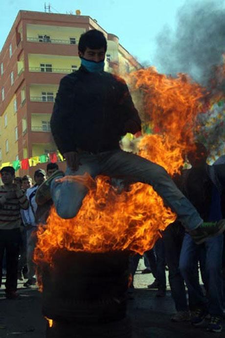 Newroz coşkusu yasak dinlemedi! galerisi resim 40