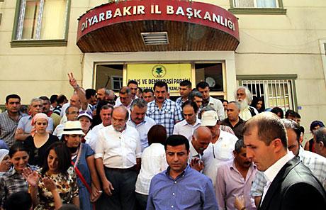 Diyarbakır savaş alanına döndü galerisi resim 70