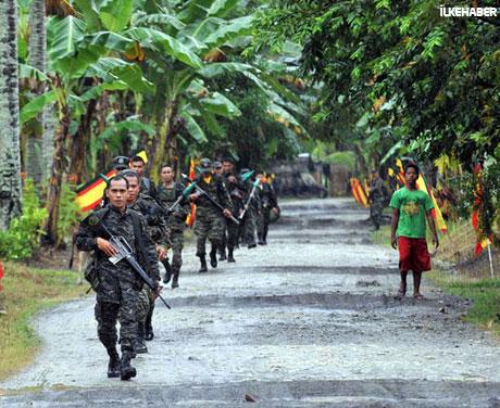 Filipinler'de 40 yıllık savaş sona erdi! galerisi resim 11