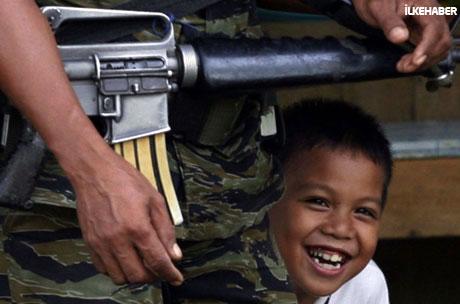 Filipinler'de 40 yıllık savaş sona erdi! galerisi resim 12