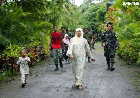 Filipinler'de 40 yıllık savaş sona erdi! galerisi resim 14