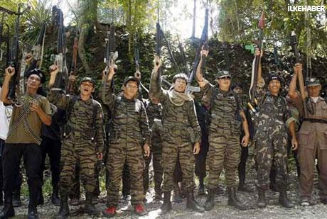 Filipinler'de 40 yıllık savaş sona erdi! galerisi resim 2