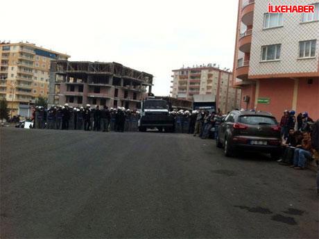Diyarbakır'da BDP'li vekiller valiliği bastı! galerisi resim 10