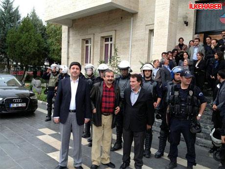 Diyarbakır'da BDP'li vekiller valiliği bastı! galerisi resim 11