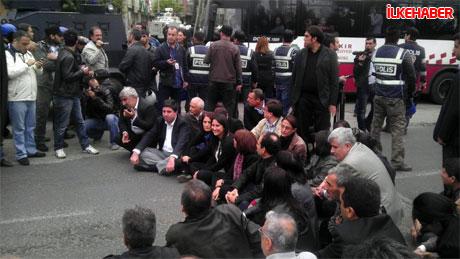 Diyarbakır'da BDP'li vekiller valiliği bastı! galerisi resim 4