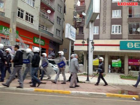 Diyarbakır'da BDP'li vekiller valiliği bastı! galerisi resim 6