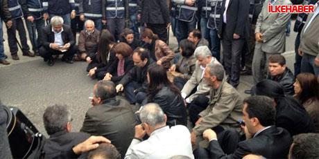 Diyarbakır'da BDP'li vekiller valiliği bastı! galerisi resim 9