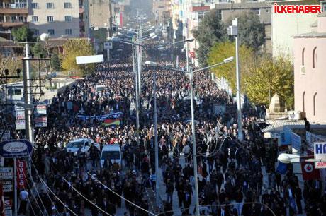 Şerafettin Elçi'yi 100 bin kişi uğurladı galerisi resim 30