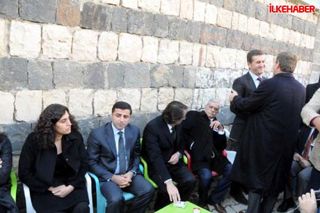 Şerafettin Elçi'yi 100 bin kişi uğurladı galerisi resim 40